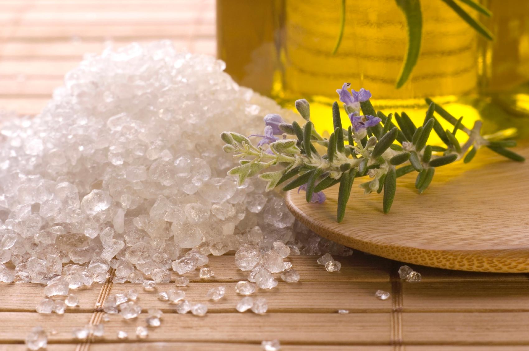 Обои морская соль, масло, цветы, ложка. Разное foto 14