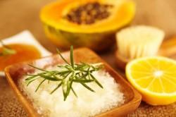 Скрабы из морской соли для лица
