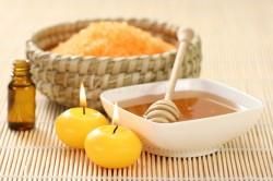 Освежающий скраб для лица из морской соли, меда и оливкового масла